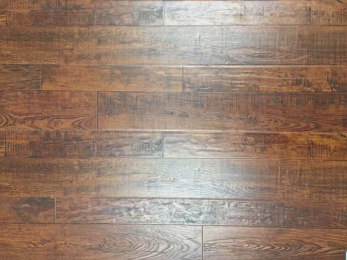 同步大小拼模压系列地板